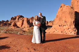 Photo of Las Vegas Valley of Fire Wedding by Private Limousine Wonderful colours