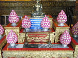 Photo of Bangkok Private Tour: Bangkok Temples including reclining Buddha at Wat Pho Offerings