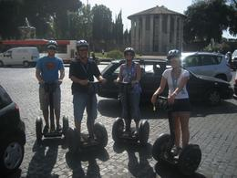 Foto von Rom Segway-Tour durch Rom Roundabouts are easy on Segways