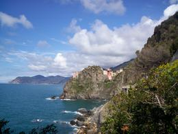 There is beautiful scenery in every direction during the hike from Riomaggiore to Manarola., Miranda V - April 2008