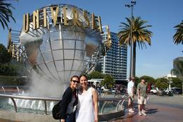 Ofcourse... the classic photo shot at the Universal globe!, Saké - December 2011