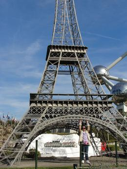 My Daughter Diyasree Touched Eiffel Tower , Badal R - October 2013