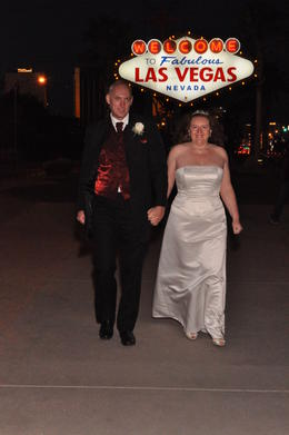 Famous and Fabulous - wedding in Vegas!, Susan K - January 2011