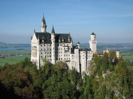 Photo de Munich Circuit d'une journée aux châteaux de Neuschwanstein et Linderhof au départ de Munich Neuschwanstein from the bridge