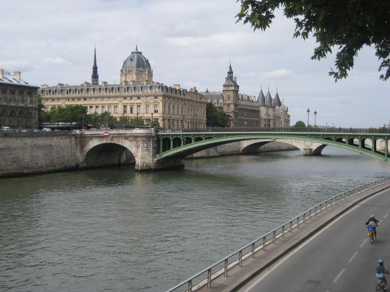 River Seine, Paris - Paris