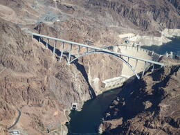 Photo of Las Vegas Grand Canyon All American Helicopter Tour Survol du barrage