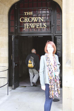 See the crown jewels of the reigning Queen and from the past., sarahm - July 2013