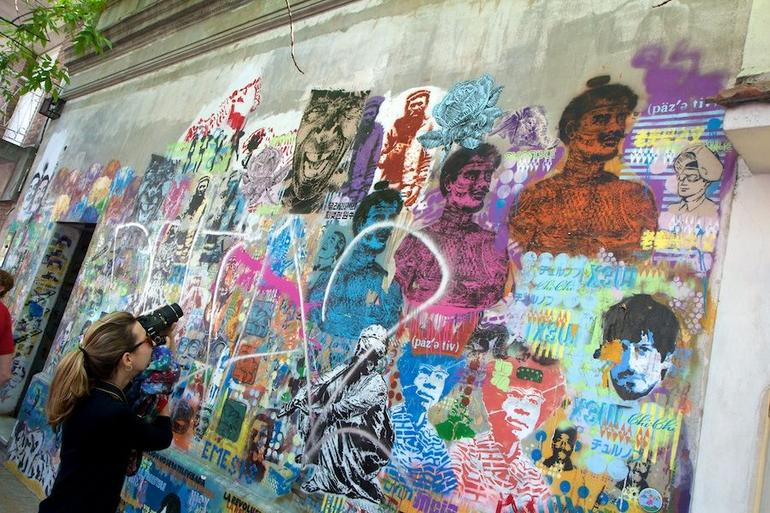 Small-Group Buenos Aires Graffiti Art Tour - Buenos Aires
