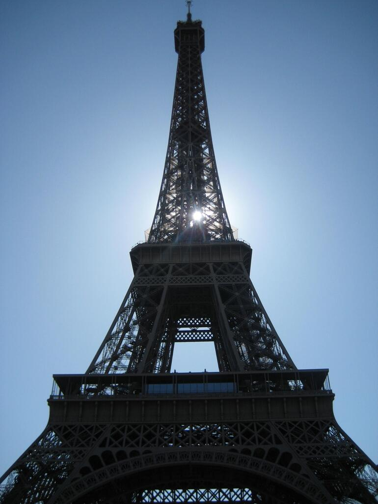 Eiffel in the sun - Paris