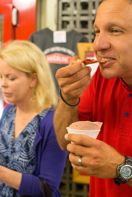 "Digging into a ""meat cup"", Viator Insider - June 2014"