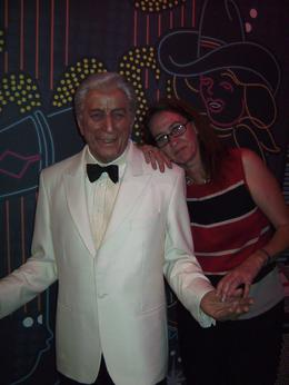 Photo of Las Vegas Madame Tussauds Las Vegas Sue & Tony Bennett