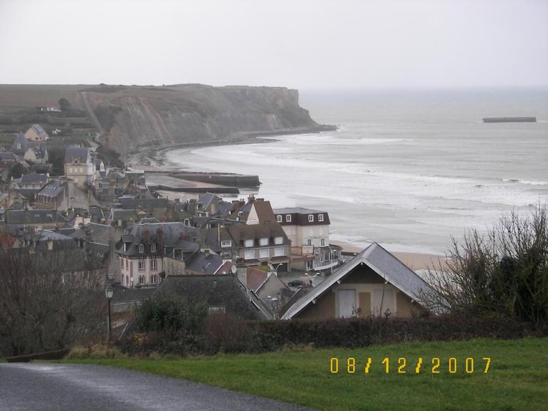 Half day tour of Normandy, American Beaches - Bayeux