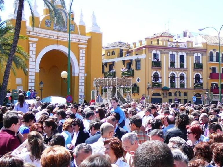 Macarena in the crowd - Seville