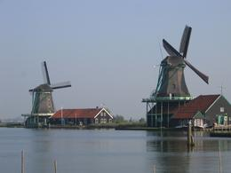Photo of Amsterdam Amsterdam Super Saver: Zaanse Schans Windmills, Delft and The Hague Day Trip Windmills