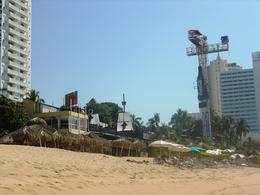 Photo of   Acapulco beach - bungee jumping