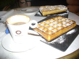 Photo of Brussels Brussels Night Walking Tour: Gourmet Belgian Food El postre