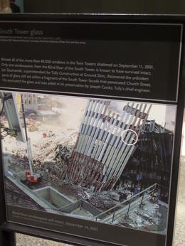 Photo of New York City 9/11 Memorial and Ground Zero Walking Tour with Optional 9/11 Museum Upgrade Tekst en uitleg