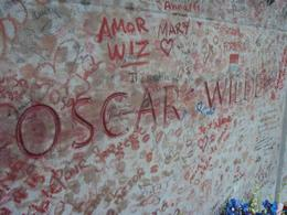 Photo of   Oscar Wilde's tomb
