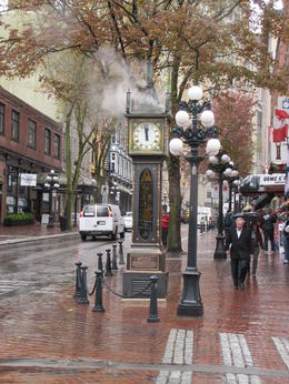 Steam-clock in gastown , Serge H - May 2011