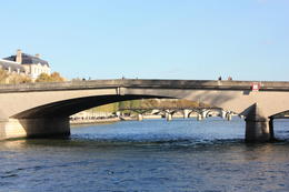 Seine River Cruise: Sightseeing with Optional Aperitif or Snack - November 2012