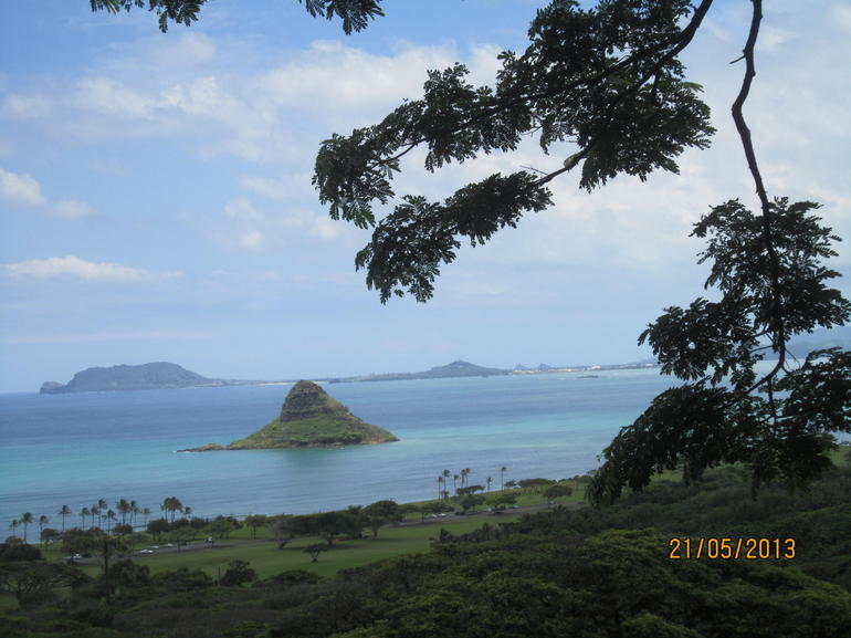 china hat  and  turtle islands - Oahu