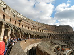 Photo of Rome Skip the Line: Ancient Rome and Colosseum Half-Day Walking Tour with Spanish-Speaking Guide interior del Coliseum