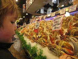 Pike Place Market: Yes, those are crab claws!, Skootre - October 2010