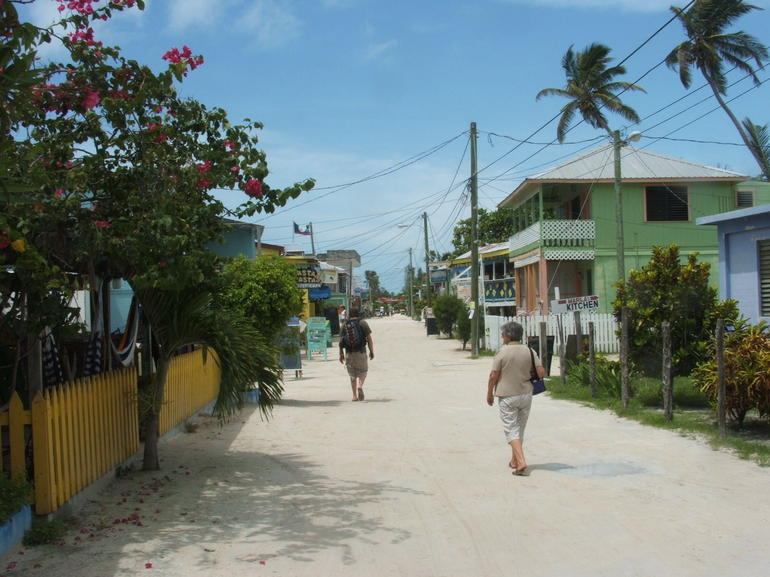 Caye Calker.jpg (14) - The Cayes