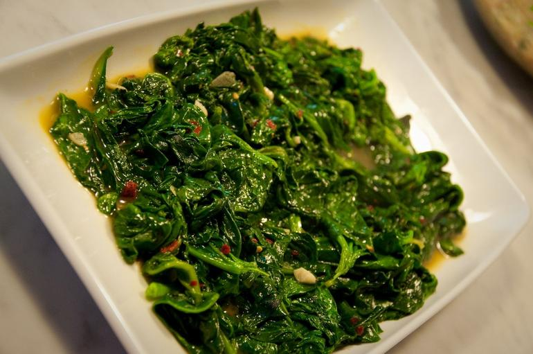 Sauteed spinach with a slight kick - Florence