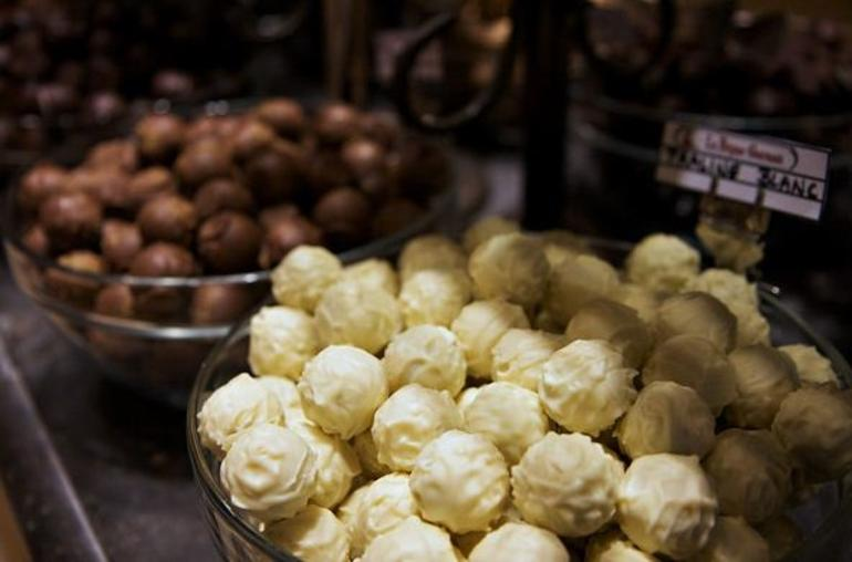 Brussels Chocolate Walking Tour and Workshop - Brussels