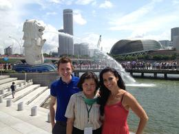 Merlion Park, Asha & Brock - July 2013