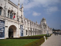Photo of Lisbon Lisbon Hop-On Hop-Off Tour: 48-hour Ticket Monasteiro dos Jeronimos