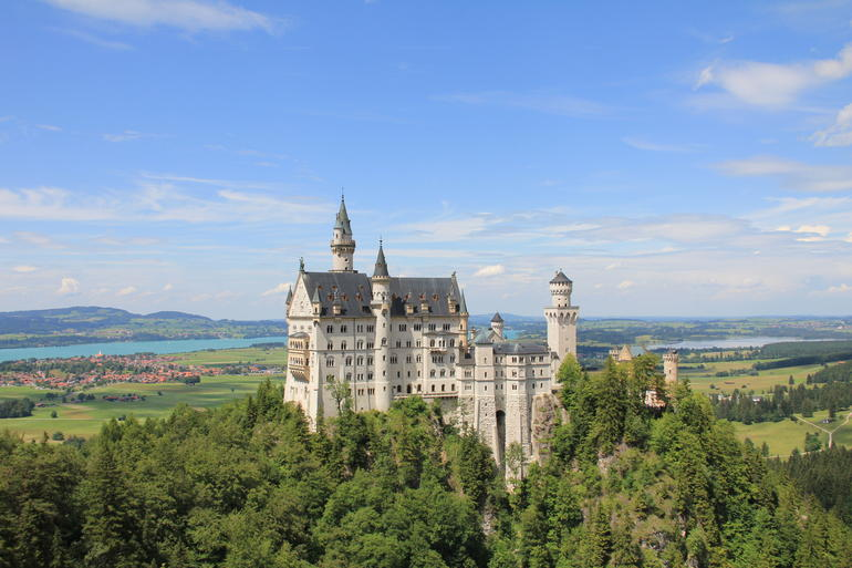 Royal Castles of Neuschwanstein and Linderhof Day Tour from Munich - Munich