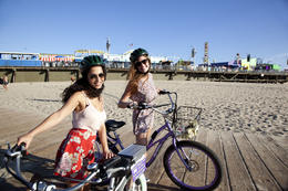 Photo of Los Angeles Electric Bicycle Tour of Santa Monica and Venice Beach Say cheese!
