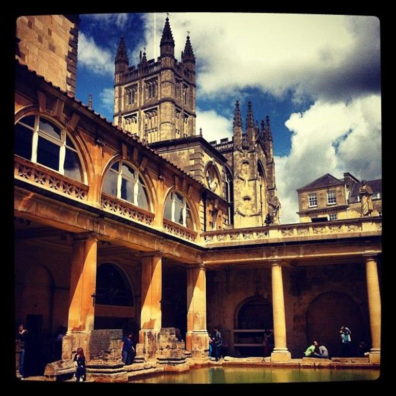 Stonehenge, Windsor Castle and Bath Day Trip from London - London