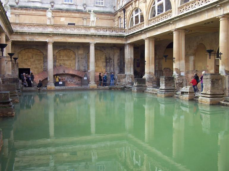 Bath-Roman baths - London