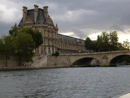 Photo of Paris Eiffel Tower Dinner and Seine River Cruise Museum d'Louve