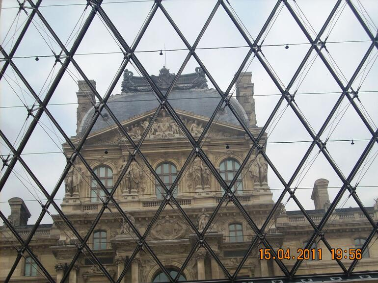 Through the looking glass - Paris