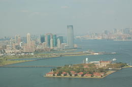 Photo of New York City Manhattan Sky Tour: New York Helicopter Flight Gouvernors Iland mit Süd-Manhatten