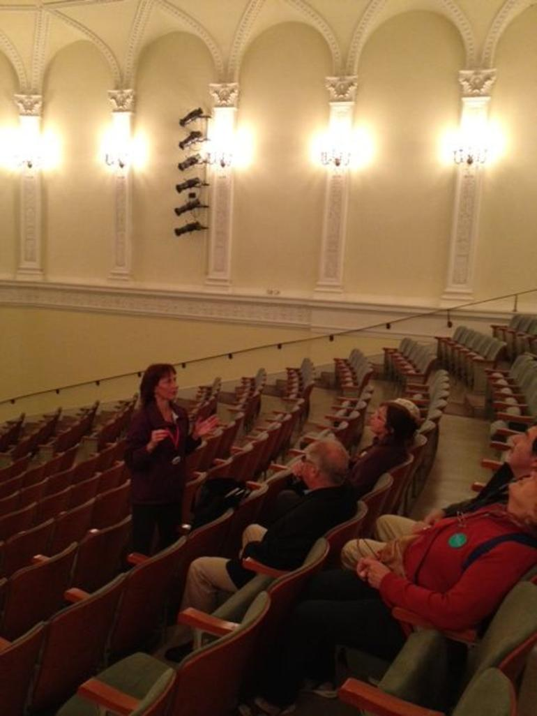 Docent at Fullerton Hall - Chicago