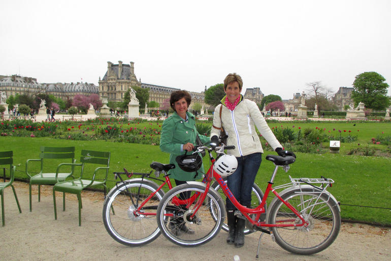 Pausing for a break at the lovely Tuileries Gardens - Paris