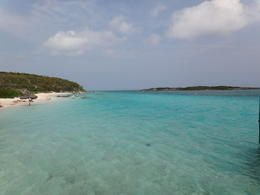 Photo of Nassau Exuma Powerboat Adventure Q Vista