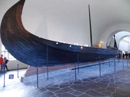 Viking ship in the Viking Museum , sealover - October 2012