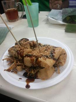 Photo of Kuala Lumpur Eat Like a Local: Kuala Lumpur Hawker Center and Street Food Tour by Night Tahu bakar