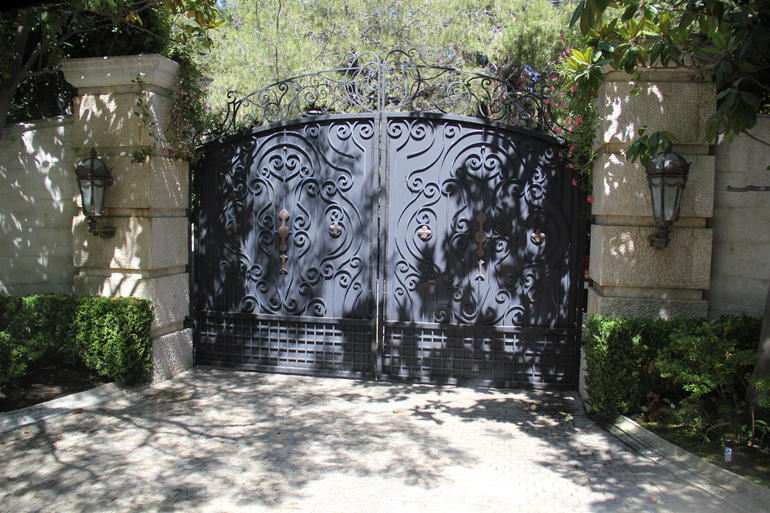 The gate - Los Angeles