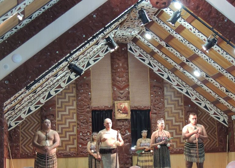 Cheesy Maori performance but enjoyable
