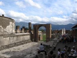 View of the forum in Pompeii. - October 2007