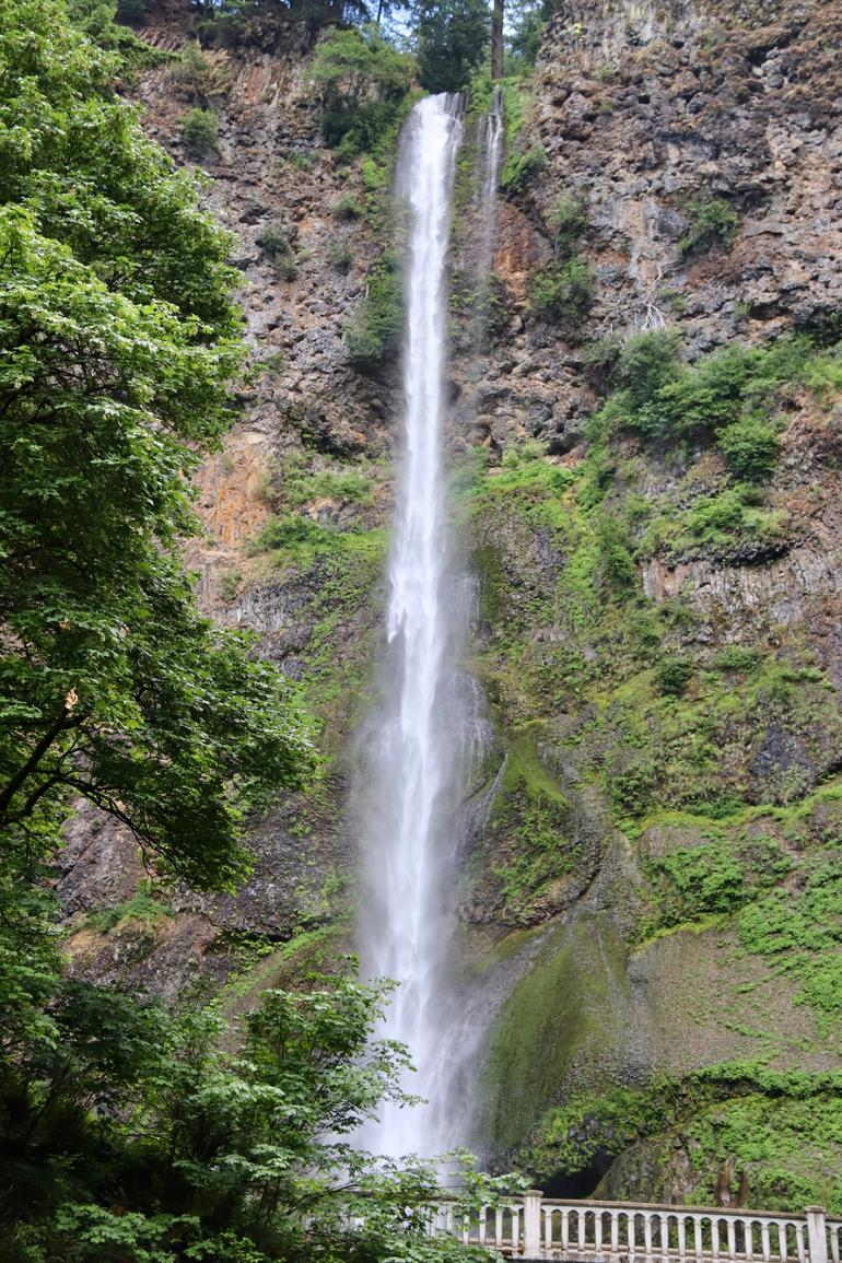 Mt Hood Day Trip from Portland to Multnomah Falls and Hood River photo 3