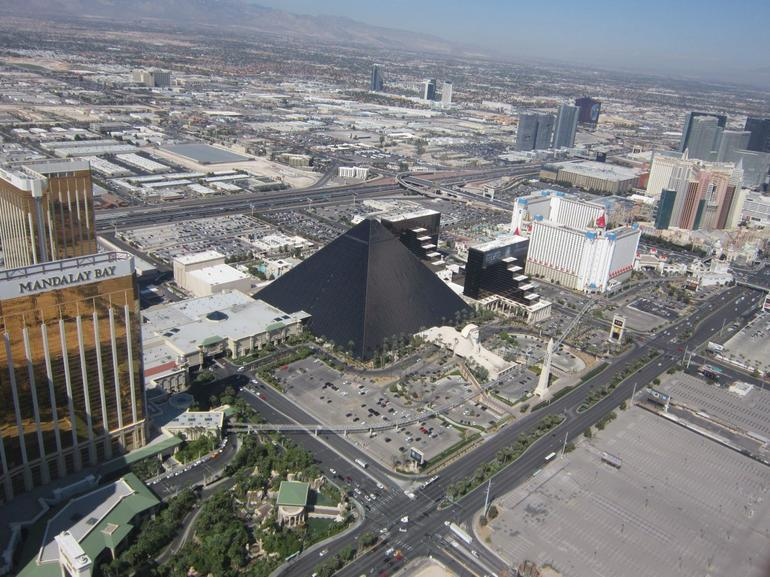 Luxor from the air as we made our way to the grand canyon - Las Vegas