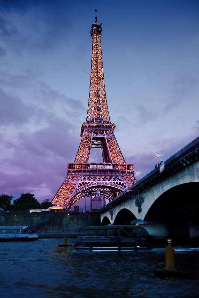 Was shot on the opposite side of Seine just at dusk the skies were amazing. - Paris